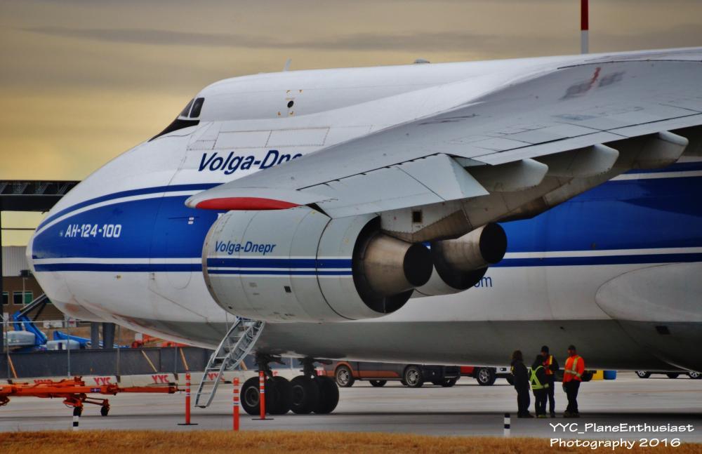 Volga-Dnepr Airlines-RA-82042-AN124 (3).jpg