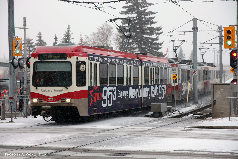 Calgary_Transit_2228-a.jpg
