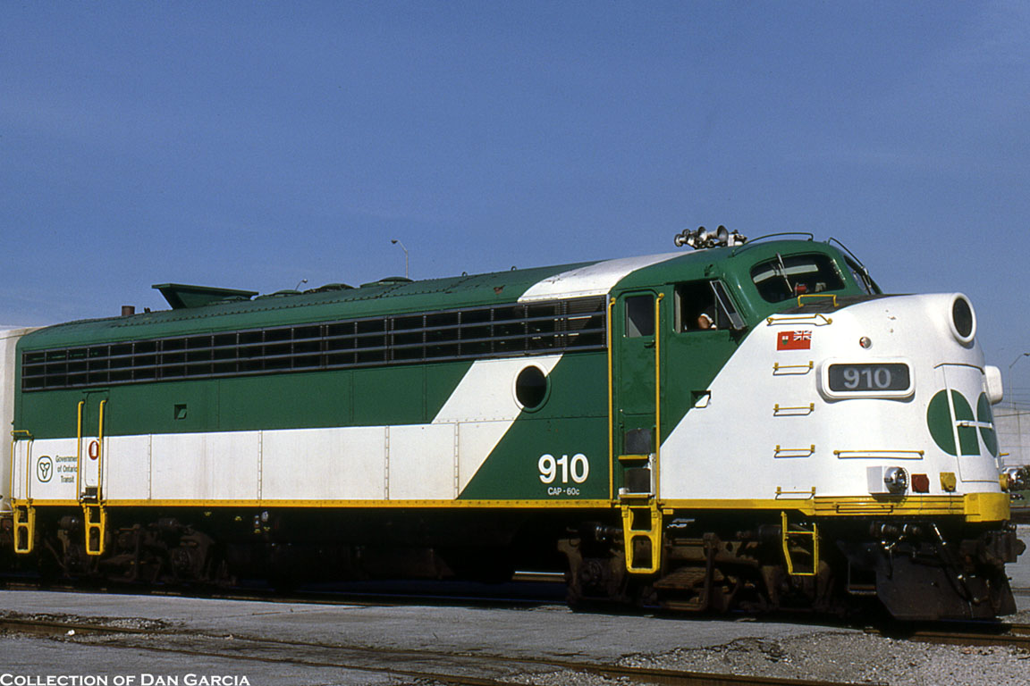 Canada Goose Toronto Go Train