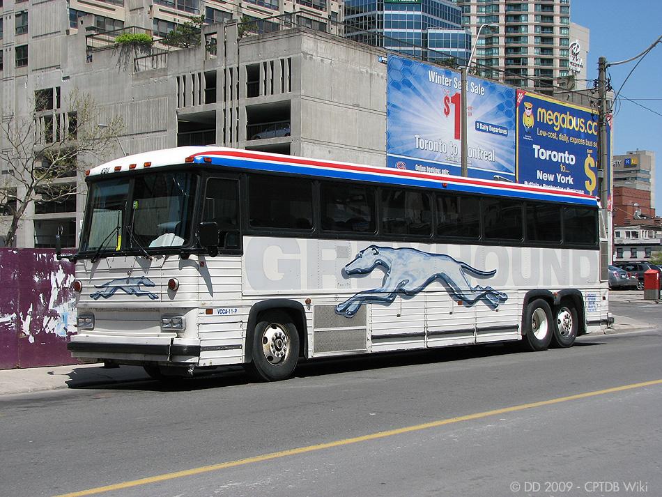 Greyhound_Canada_8011-a.jpg