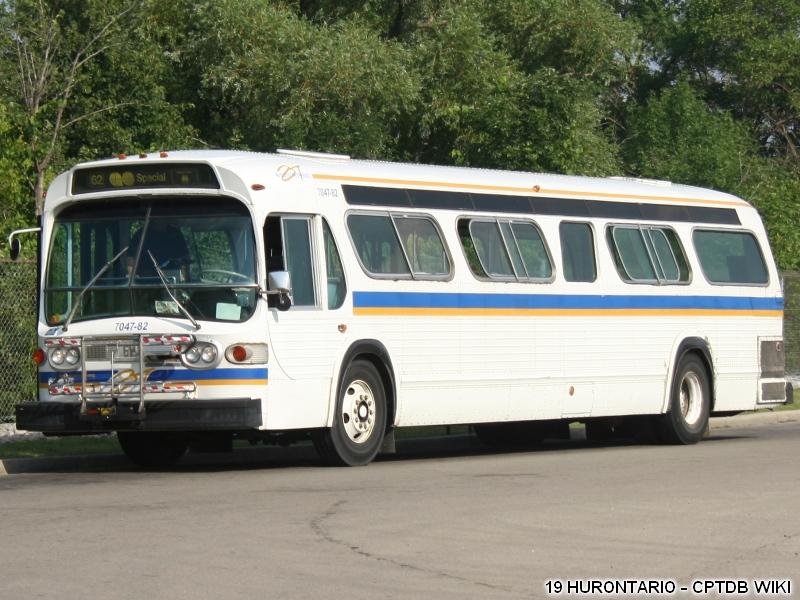 Burlington_Transit_7047-82-b.jpg