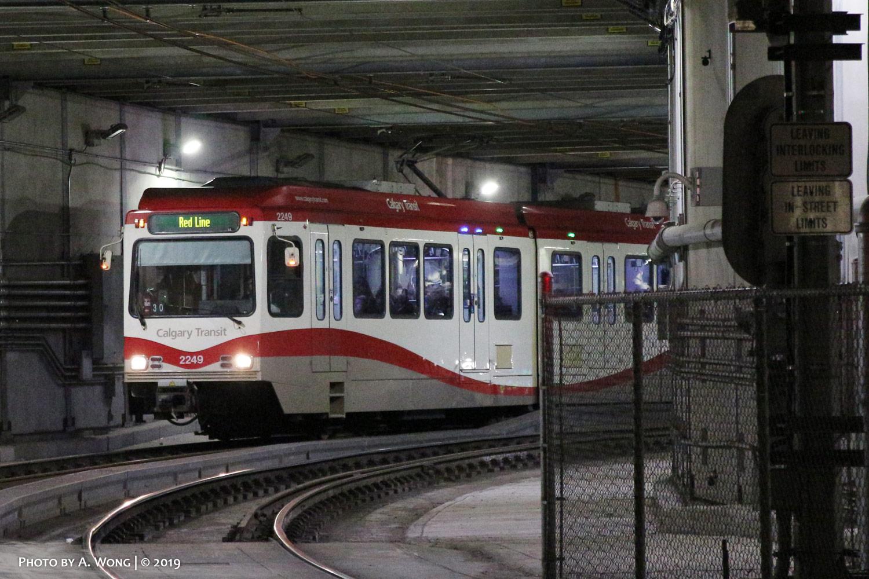 Calgary_Transit_2249-a.jpg