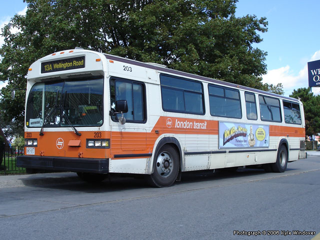 File:London Transit Commission 203-a.jpg