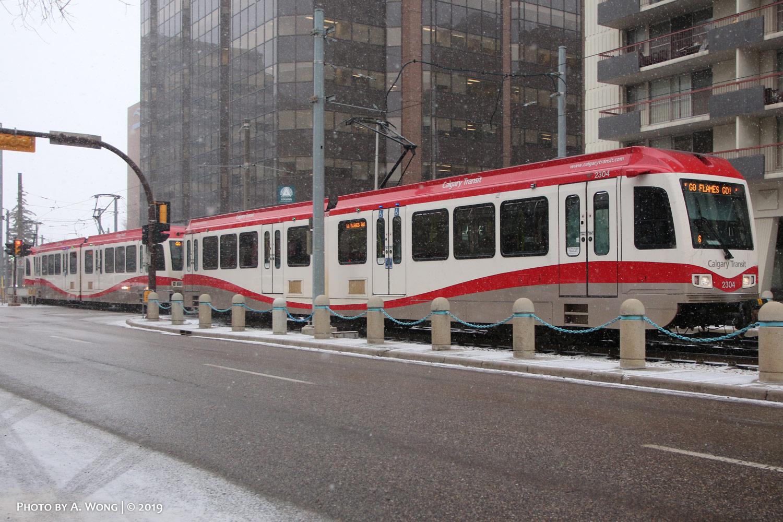 Calgary_Transit_2304-a.jpg