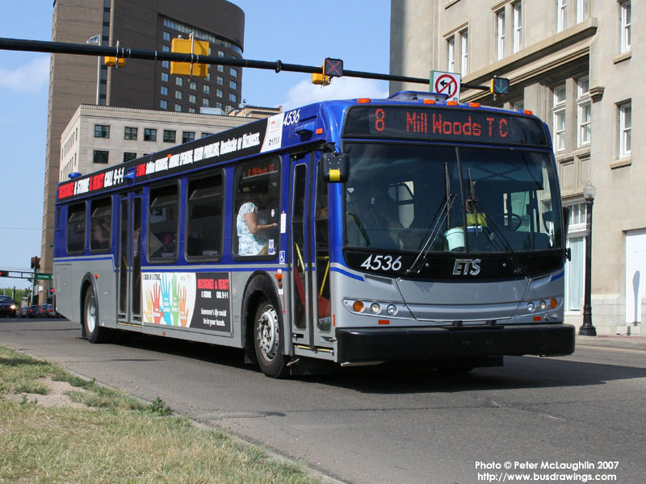 Edmonton_Transit_System_4536-a.jpg