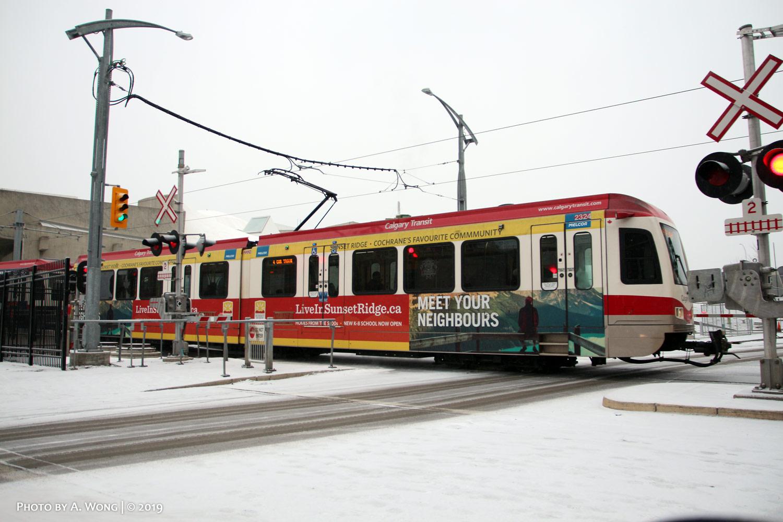 Calgary_Transit_2324-a.jpg