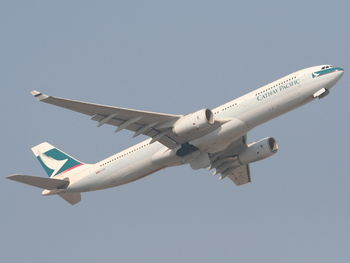 Cathay Pacific Airways B-HLP-a.jpg