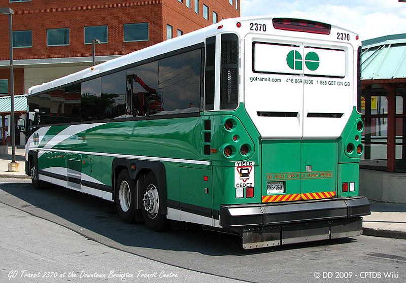 800px-GO_Transit_2370-a.jpg